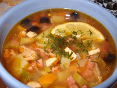 солянка из курицы и колбасы с фото пошагово