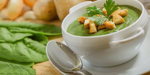 b6f0f8a63925 Пусть вас не смущает аромат продукта, ведь в процессе приготовления вкус сельдереевого  супа для похудения становится нежным и приобретает нейтральный ...