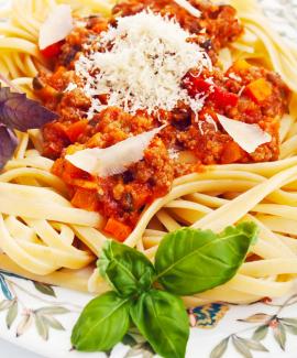 Спагетти болоньезе с сыром рецепт