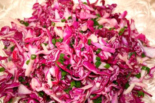 салаты из краснокочанной капусты свежей