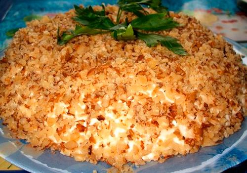 Салат с курицей сыром и орехами рецепт