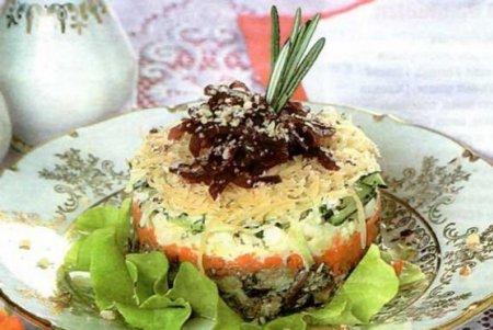 Салат из морской капусты сморковью по корейски