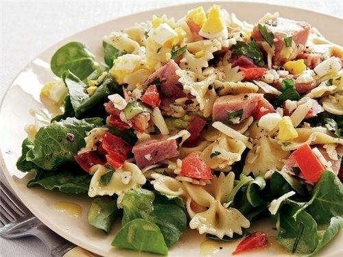 Салат из вермишели ветчины