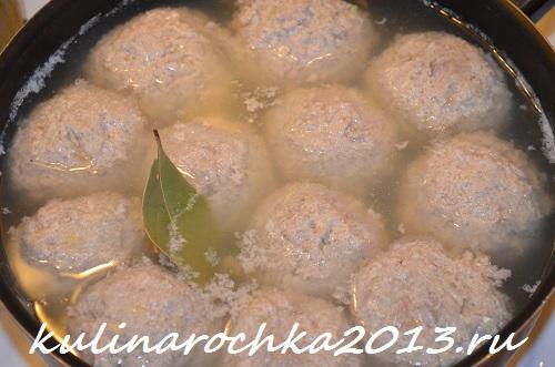 Рецепт тефтелей со сметанным соусом на сковороде