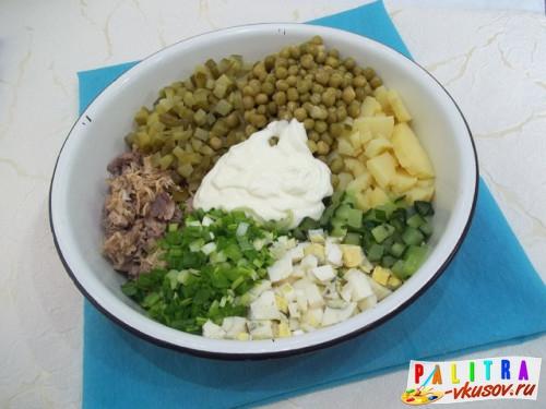 Салат оливье с говядиной классический