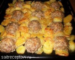 тефтели в духовке в сметанном соусе с картошкой